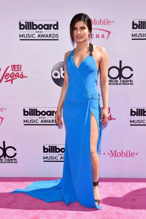 Smokin! Priyanka Chopra Slays It on the Billboard Music Awards' Red Carpet