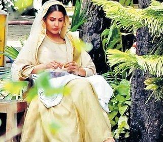 Clicked: Anushka Sharma is Grace Personified in this Ethnic Look for Phillauri!